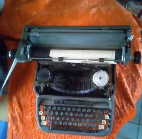 Maszyna do pisania antyk