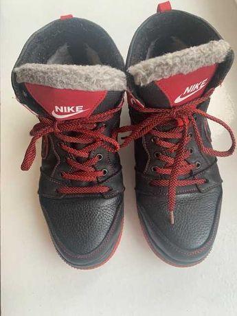 продам зимние ботинки  кожаные NIKE для мальчиков раз.37 по ст. 24