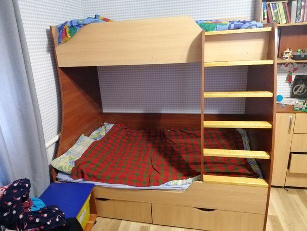 Кровать детская 2-ярусная 2-3 ребенка