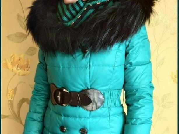 Изумрудный (зеленый) пуховик с шарфом, куртка, пальто, курточка