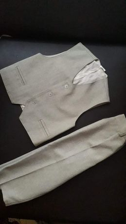 Garnitur dla chłopca beżowy kamizelka spodnie 98-104