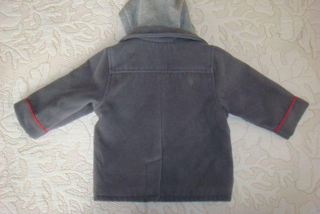 Легкое теплое детское пальто куртка с капюшоном.