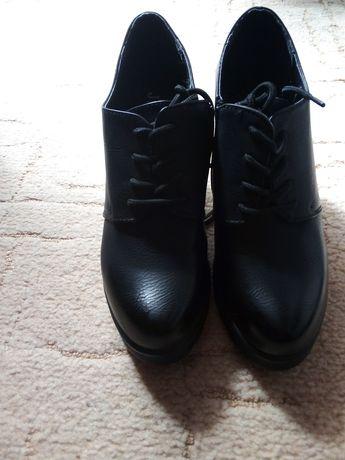 Туфли новие.