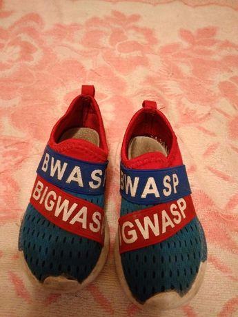 Продаю кроссовки недорого!!!