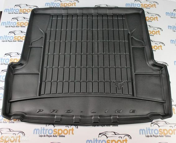 Tapete para mala em borracha Ford C-Max 5 Lugares 2011+ | Mitrosport