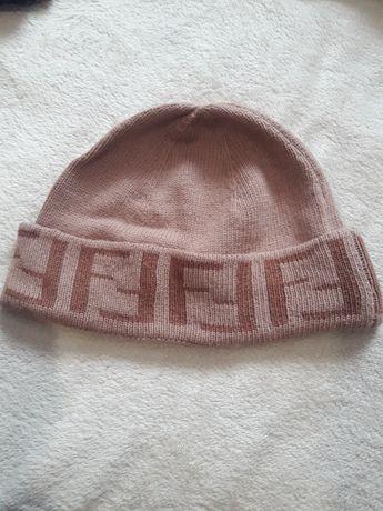 шапка Fendi ,шапочка
