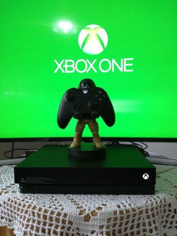 Xbox One X com jogos