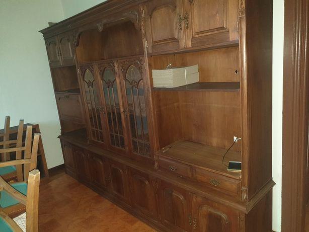 Movel sala com prateleiras, portas e gavetas