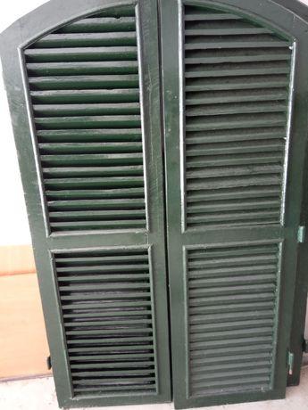 Portadas/venezianas de madeira