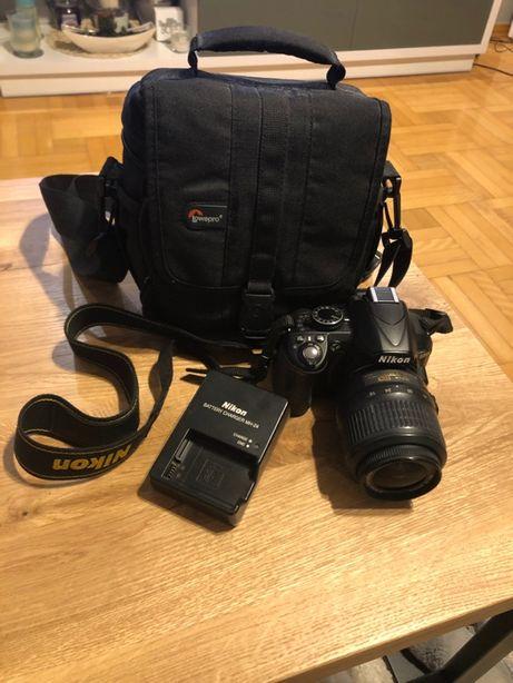 Apart Nikon 3100 z obiektywem 18-55 mm + akcesoria