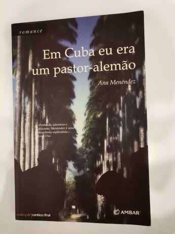 """Livro """" Em Cuba Eu Era Um Pastor Alemão """" , de Ana Menendez"""