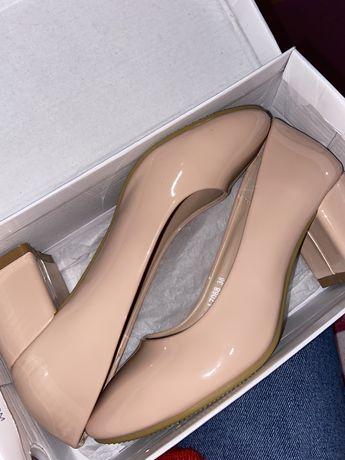 Новые Туфли нюдового цвета