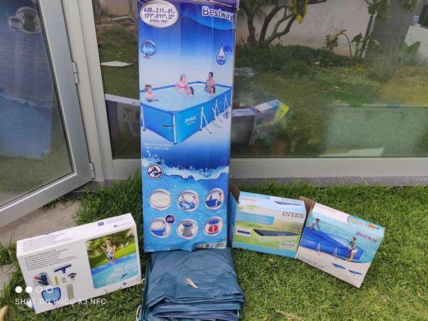 OPORTUNIDADE - Piscina 400x211cm c/ coberturas e Kit de Limpeza