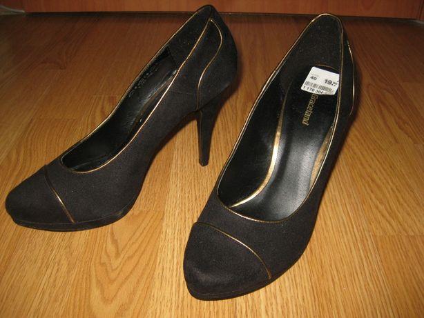 Женские туфли новые 40 размер