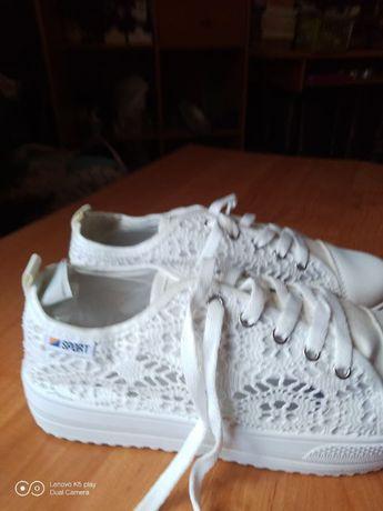 Ladne,wygodne,idealne na wiosne buty NOWE SUPERCENA