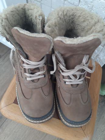 Продам якісні черевики HIGHLAND CREEK.