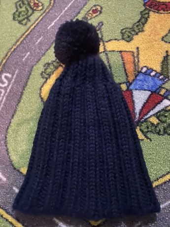 Продам шапки тёплые