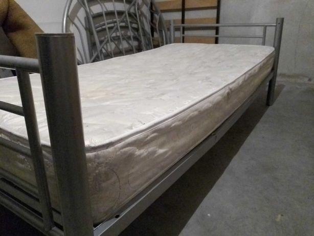 Cama de Solteiro em Metal 90x200cm