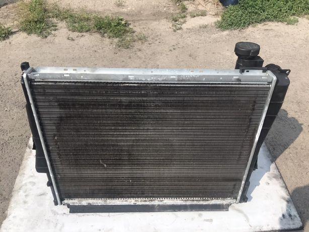 Bmw e46 2.0d lift chłodnica wody+ zbiorniczek wyrównawczy .