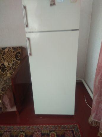 """Холодильник """"Електролюкс"""""""