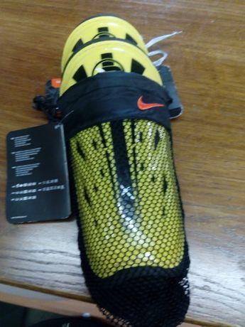 Ochraniacze sportowe Nike