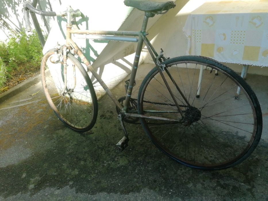 Bicicleta de Estrada Vintage / Celta para Restaurar