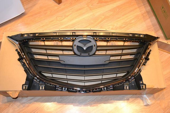 Решетка радиатора оригинал Мазда 3 Mazda 3 14-16 года