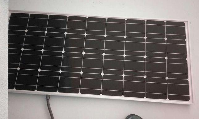 Monto paineis fotovoltaicos em Auto-caravanas