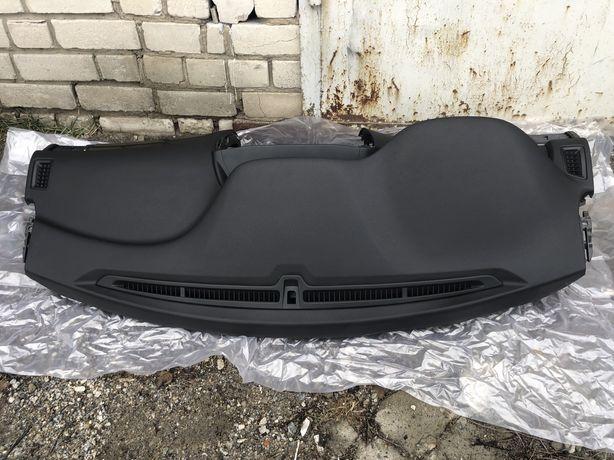 Торпедо передняя панель Honda Accord 13-17