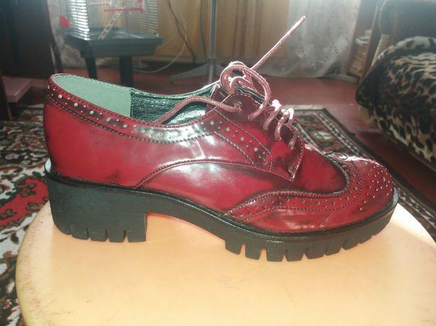 Срочно! туфли 40 размер, осень весна