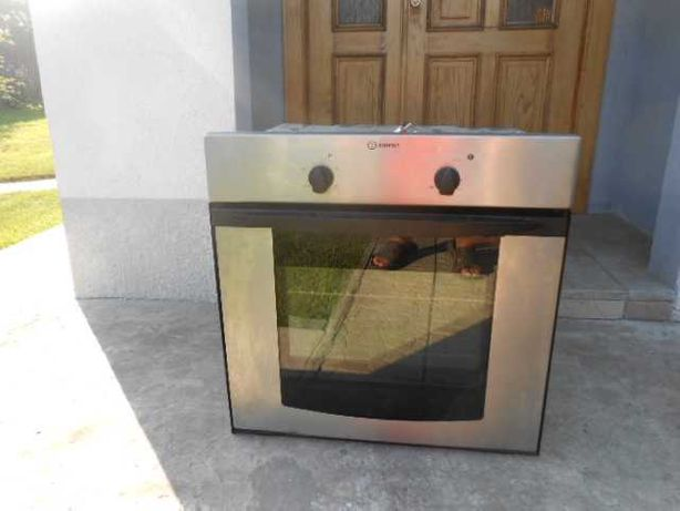 продам вбудовану електричну духовку  фірми indezid повність справна