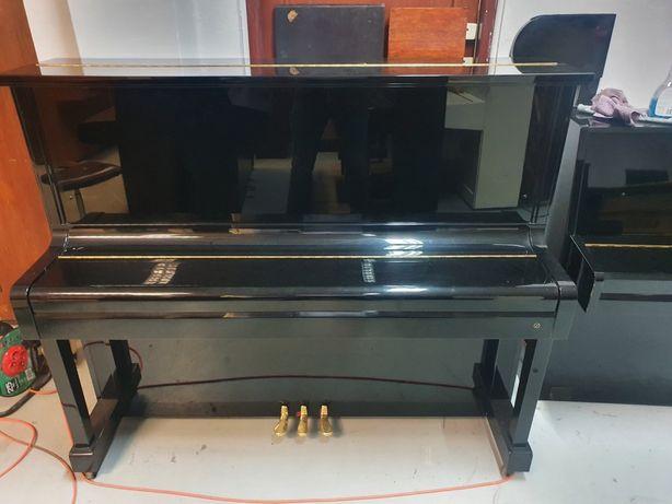 Do sprzedania pianino japońskiej marki KAWAI, wys 124 cm