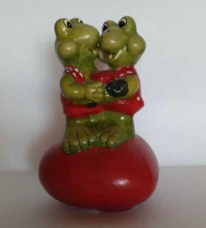 Ozdobna figurka żabki