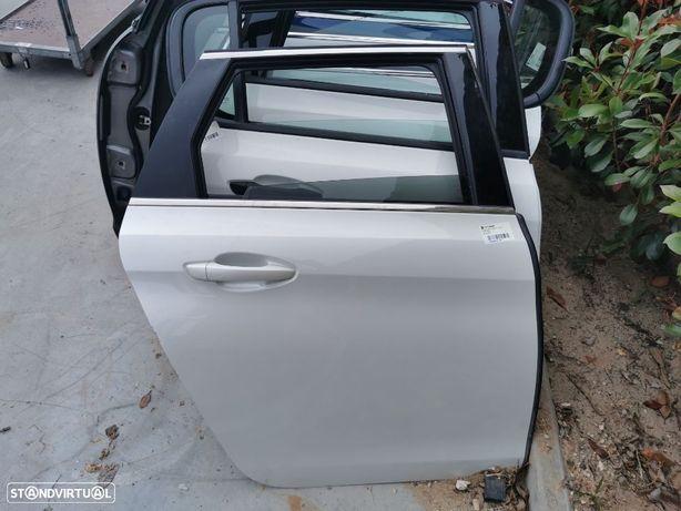 Porta Tras Direita Peugeot 308 SW do ano 2014