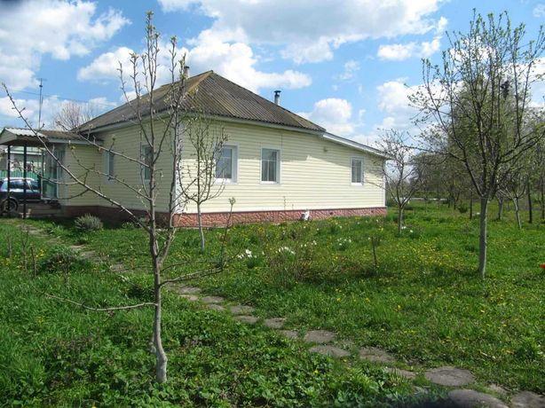 Добротный дом с ремонтом в городе Березна (Код: 512647 Э)