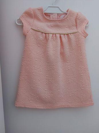 Sukienka w kolorze brzoskwiniowy rozmiar 80
