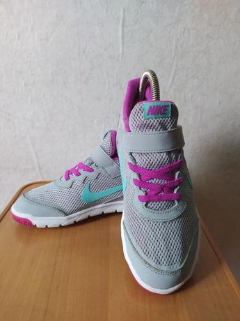 Кроссовки Nike ( made in Indonesia )
