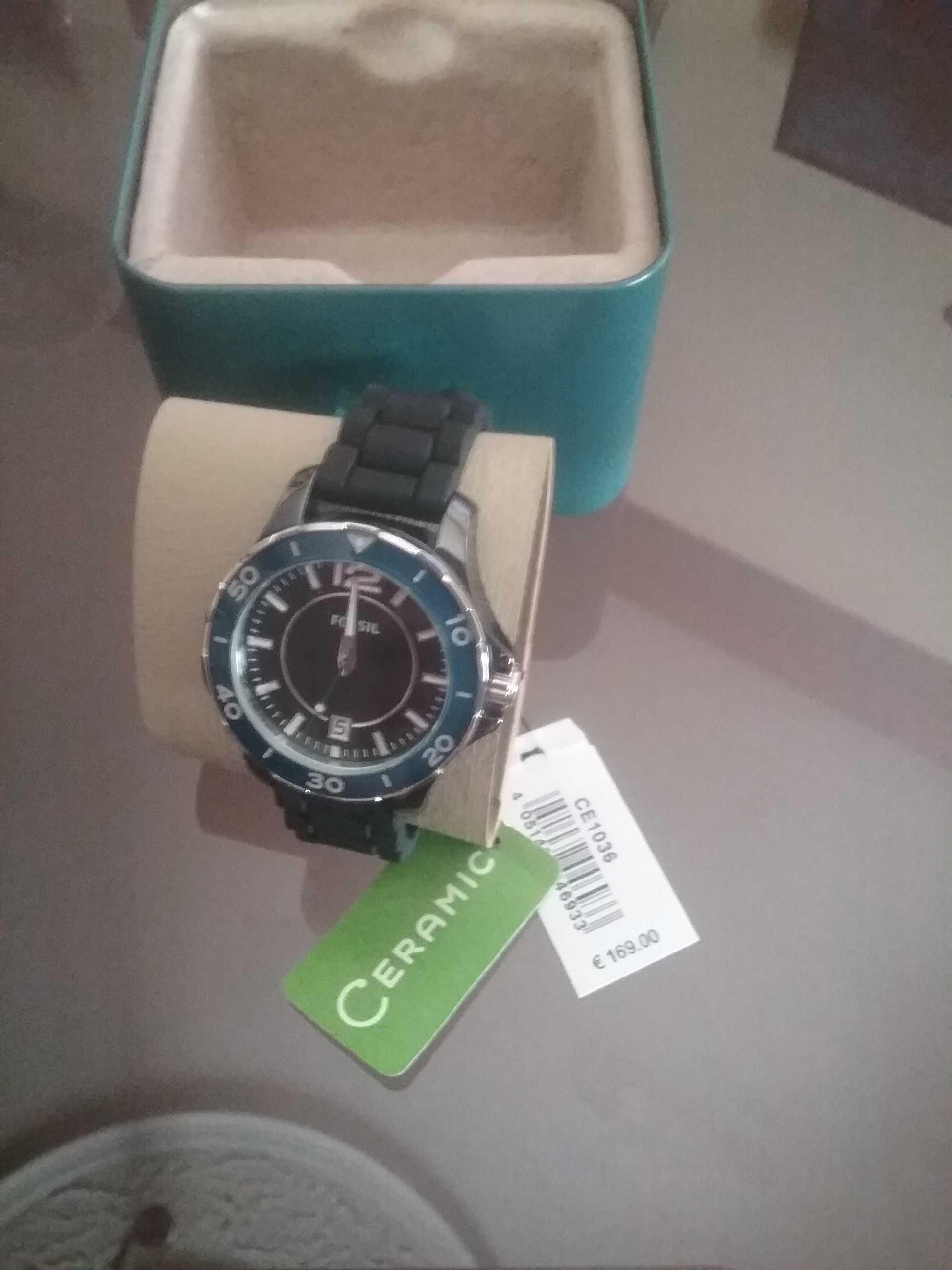 Relógio marca Fossil novo nunca usado 53% mais barato