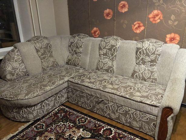 Кутовий диван. Відмінний стан