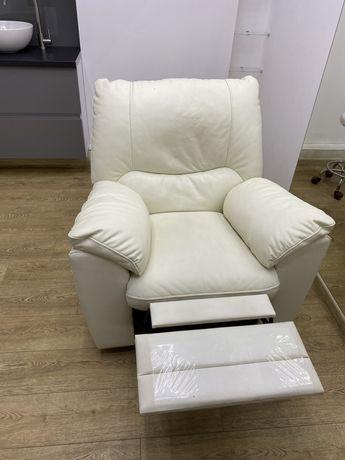 Продам кресло-реклайнер