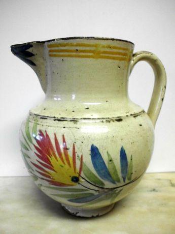 lindo antigo jarro em faiança portuguesa com motivo de flores
