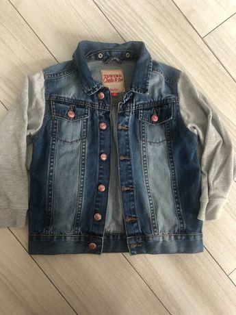 Kurtka jeansowa z dresowymi rękawami 110 cm