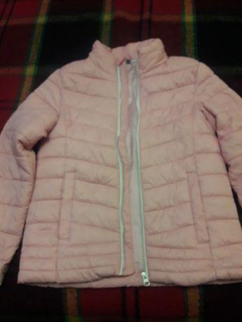 Курточка на девочку розовая размер 42-44
