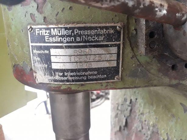 Гидравлический пресс Fritz Müller