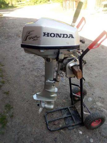 Silnik zaburtowy Honda 5 KM
