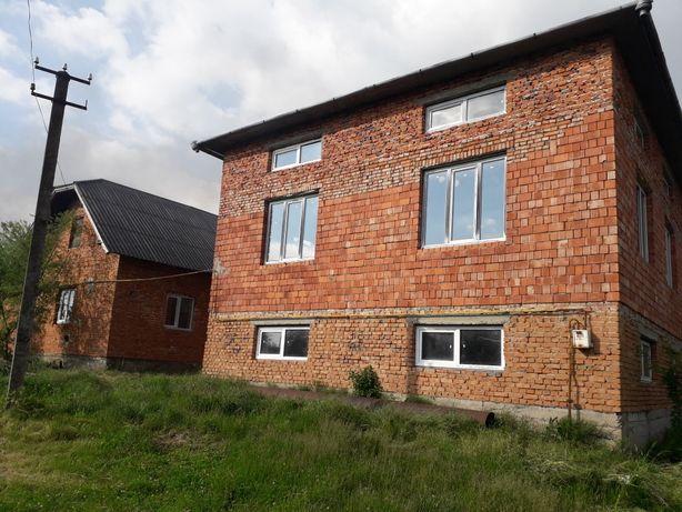 Продам житловий будинок в селі Єзупіль, 20 км від Франківська.