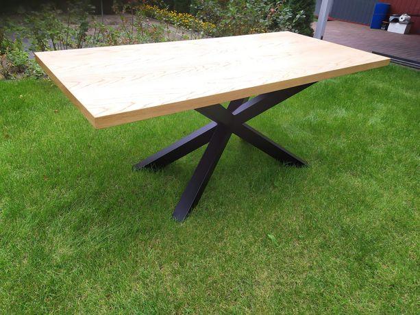 Duży stół do jadalni / salonu