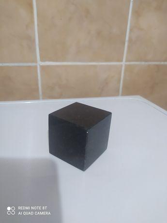Куб каменный гранит 5×5см ручной работы.