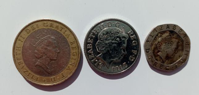Монети Великобританії 2 фунти стерлінгів, 10 пенсів, 20 пенсів