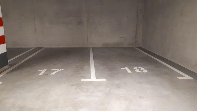 Wynajmę miejsce garażowe- Sławińska/ Wola/Centrum
